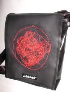 ichichich Taschen aus Berlin - rotes Muster